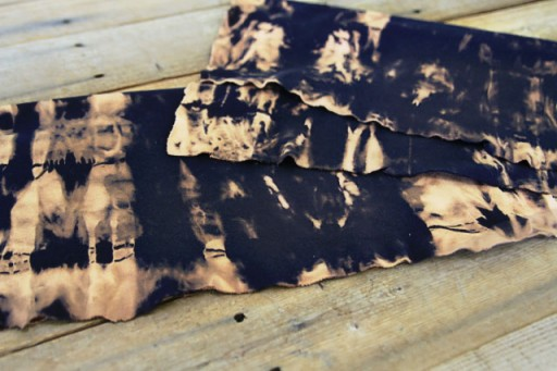 DIY Bleach Tie Dye on Fabric via lilblueboo.com