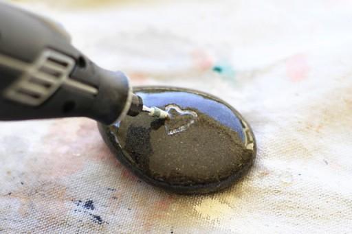 Engraving River Rocks with a Dremel (Step 3) via lilblueboo.com