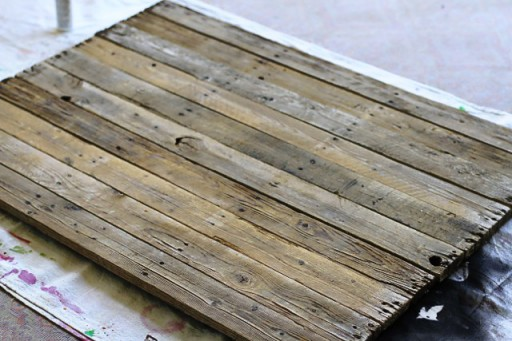 Canvas Made From Reclaimed Wood Pallet via liblueboo.com