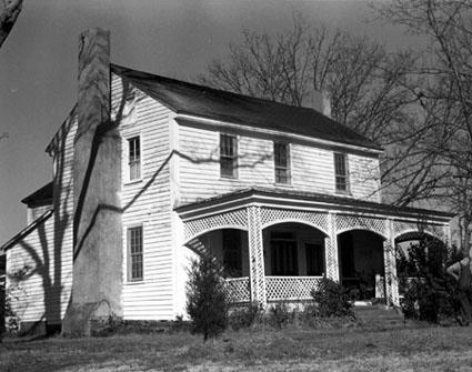 Mr. and Mrs. Rea's House via lilblueboo.com