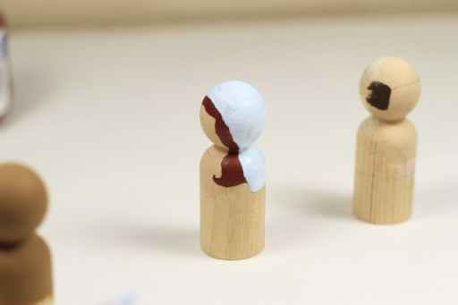 Nativity Peg Doll Tips via lilblueboo.com