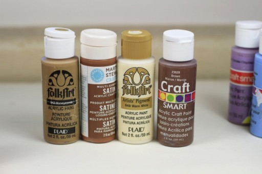 Plaid and FolkArt Craft Paint Colors via lilblueboo.com