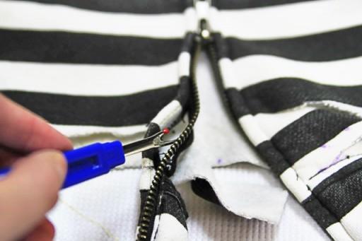 Using the seam ripper on the zipper via lilblueboo.com