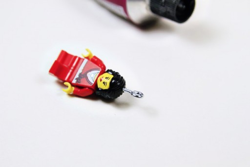 Adding a Screw Eye to a Lego Minifig via lilblueboo.com