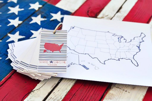 DIY States and Capitals Flashcards by Pen and Paint via lilblueboo.com #teaching #states #learning #teachers