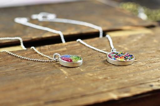 Ideas for making resin jewelry via lilblueboo.com