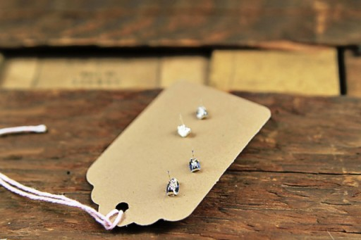 Gift and Packaging ideas for earrings via lilblueboo.com