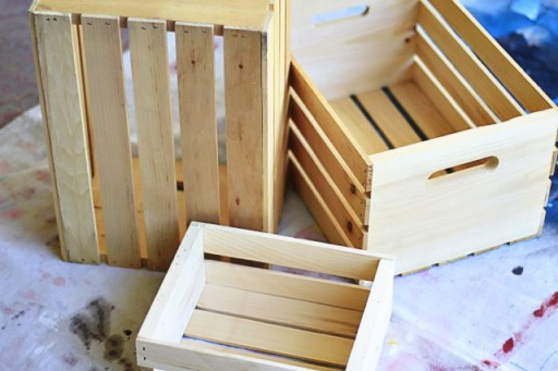 How to Make a DIY Rustic Crate via lilblueboo.com