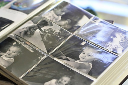 4x6 photo sleeves combined with regular pages via lilblueboo.com