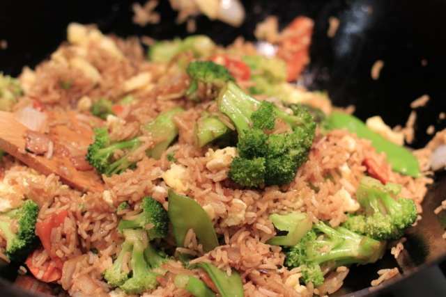 Super Yummy Chicken Fried Rice via lilblueboo.com