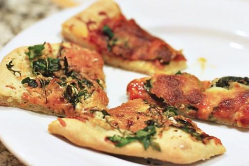 Homemade Pizza Sampler via lilblueboo.com