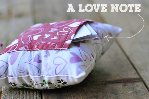 A DIY Valentine's Gift Idea: Love Note Pillow via lilblueboo.com