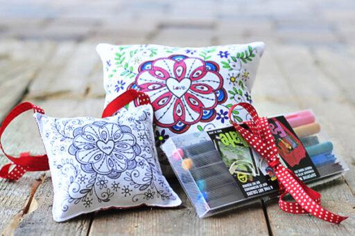 DIY Handmade Valentine's Gift Ideas (fabric markers) via lilblueboo.com