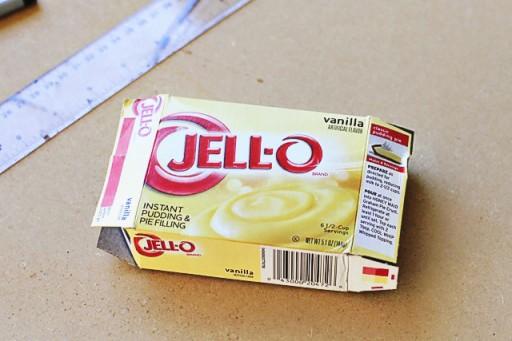 Making a pinhole camera out of this jello box via lilblueboo.com