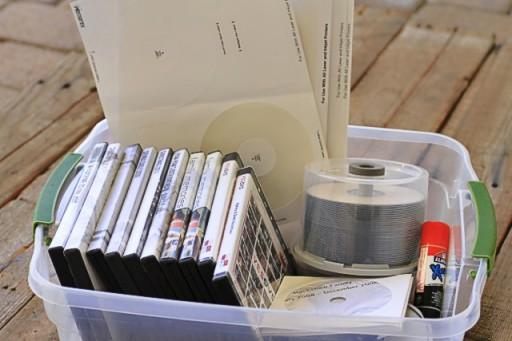 Checklist for organizing home movies via lilblueboo.com