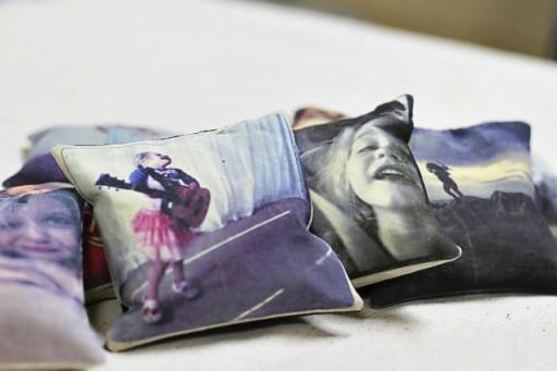 DIY Photo Throw Pillows via lilblueboo.com
