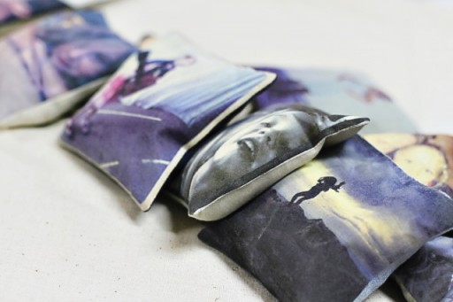 make your own photo pillow via lilblueboo.com