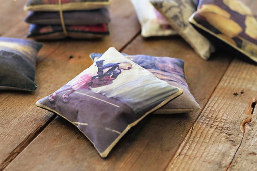 DIY Vintage Photo Pillows via lilblueboo.com