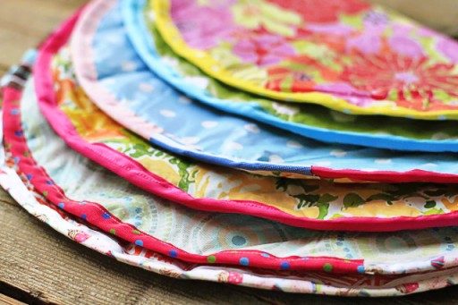 Girl Scout Tradition: Situpons / Sit-upons ideas (DIY) via lilblueboo.com