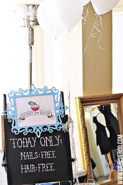 DIY Party Decor: Beauty Salon Party via lilblueboo.com #americangirl #party #diy