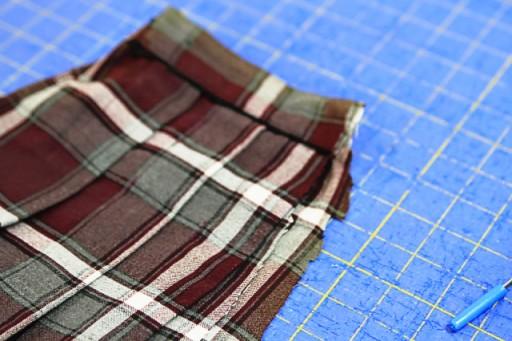 Cutting down a pleated skirt for a doll via lilblueboo.com
