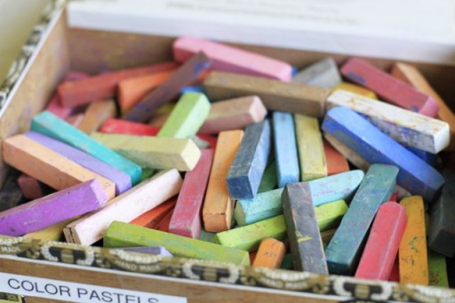 Keep pastels from smudging in art journal via lilblueboo.com #diy #crafts #tutorial #artjournal