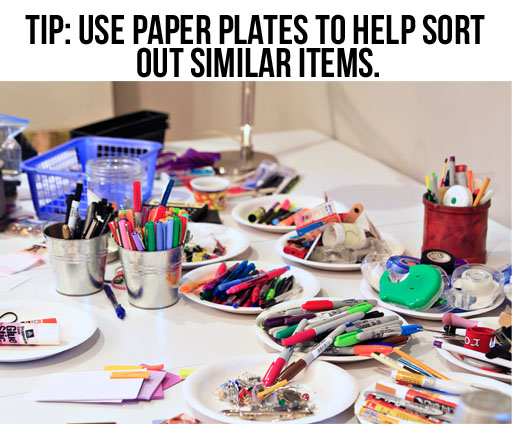 steps to organize a kitchen junk drawer via lilblueboo.com #organization #organizing