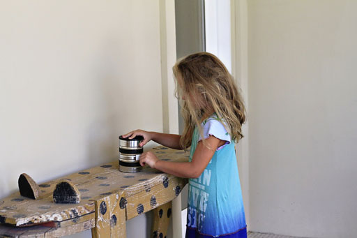 How to Make and Use a Pinhole Camera via lilblueboo.com #photography #darkroom #pinhole #pinholecamera