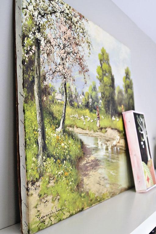 Thrift Store Decor Thrift Store Art Finds via lilblueboo.com #decor #office #diy #homedecor #organization #thrifting