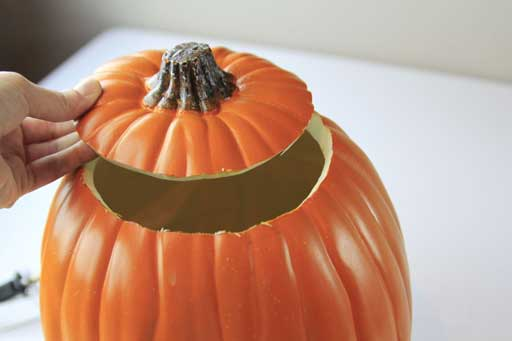 Pumpkin Carving Tips via lilblueboo.com #halloween