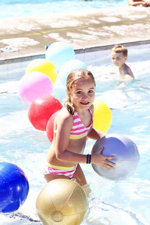 Ace Hotel Pool via lilblueboo.com #craftingcommunity #ccommunity #karenkimmel #acehotel