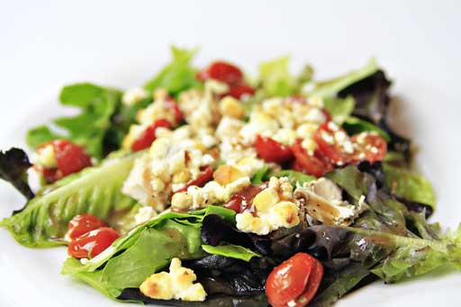 Baked Goat Cheese Salad with Balsamic Viniagrette via lilblueboo.com #recipe