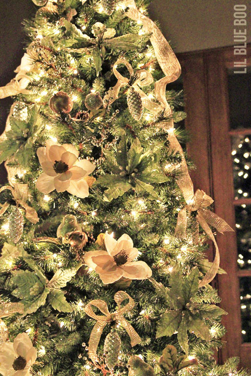 Gold Christmas Tree Decor - Michaels Dream Tree Challenge Reveal 2013 #christmas #JustAddMichaels via lilblueboo.com