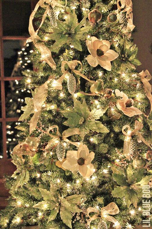 DIY Christmas Tree - Michaels Dream Tree Challenge Reveal #christmas #JustAddMichaels #dreamtreechallenge via lilblueboo.com