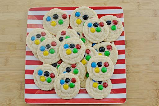 The Olympic Games Party Treat Ideas: Sugar Cookies via Ashley Hackshaw / lilblueboo.com