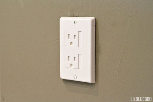 Baby Safety and Childproofing: my favorite child proof outlets, sliding by Ashley Hackshaw / Lil Blue Boo via lilblueboo.com