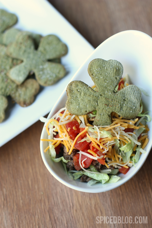 St. Patrick's Day Food Ideas: Shamrock Tortilla Chips by Pizzazzerie at Spiced via Ashley Hackshaw / lilblueboo.com #stpatricksday #green #partyfood
