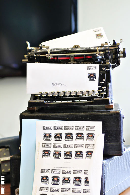 Vintage Underwood Typewriter via Ashley Hackshaw / Lil Blue Boo