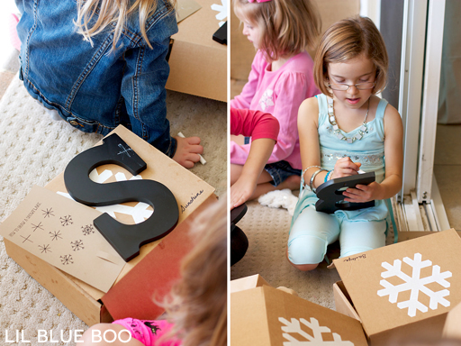 Chalkboard Letters Party Craft for a Frozen Winter Birthday Party via Ashley Hackshaw / lilblueboo.com #frozen