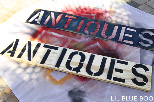 How to make a 10 minute antique wood sign using supplies you probably already have around the house (as long as you have stencils!)