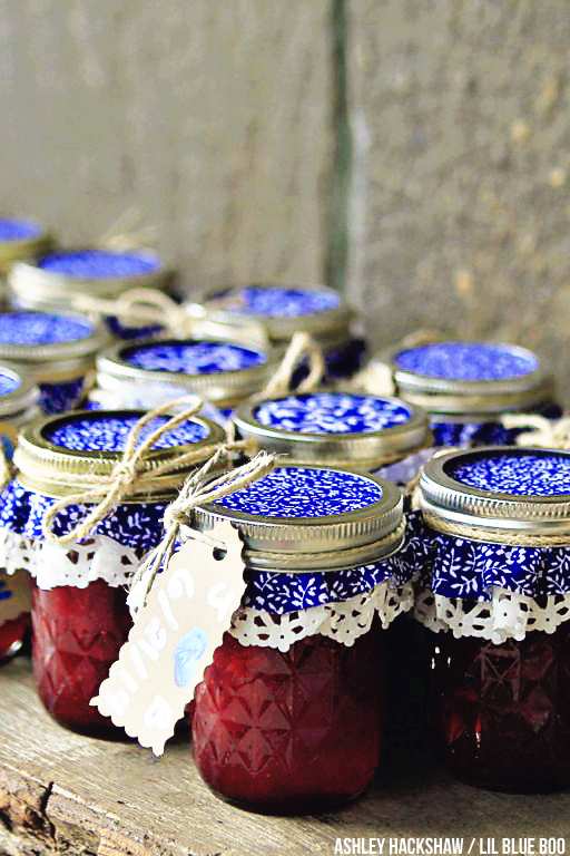 Rustic wedding favors - Hemlock Inn, Bryson City NC - Smoky Mountains #wedding #rusticwedding