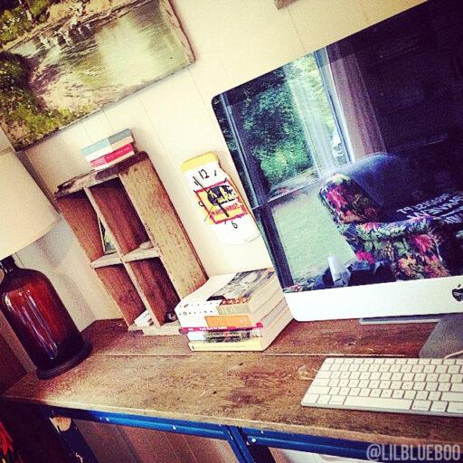 rustic flea market style computer desk - DIY project