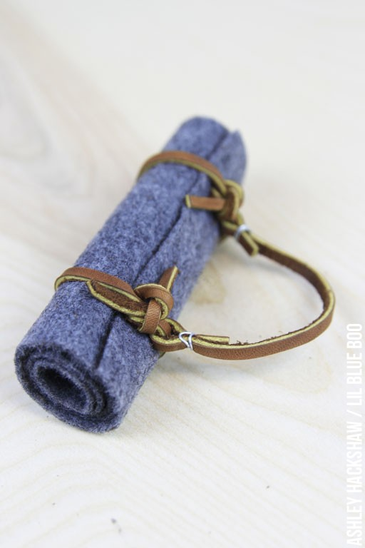 How to make a miniature or doll-sized bedroll camping ornament