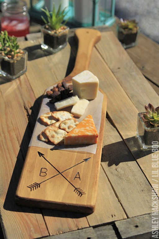 rustic wedding ideas diy - wood burned cutting board for table decor