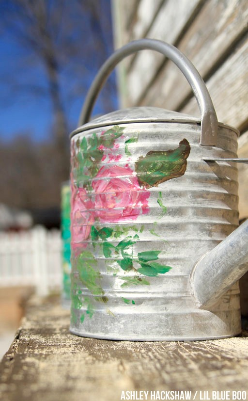 vintage garden decor ideas - galvanized tubs and cans