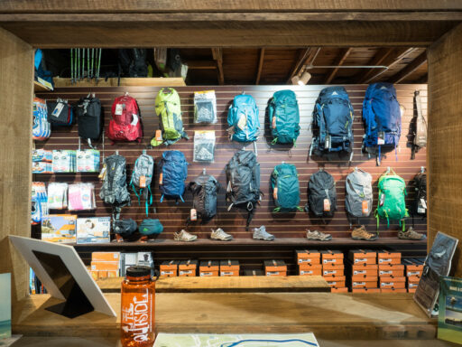 Outfitter Bryson City - Outdoor Retail Smoky Mountains Nantahala Tuckasegee