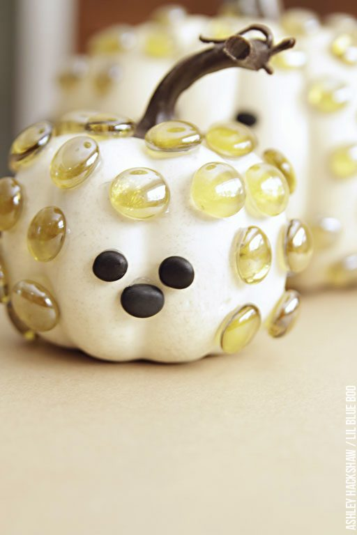 Tiny pumpkin decorating ideas