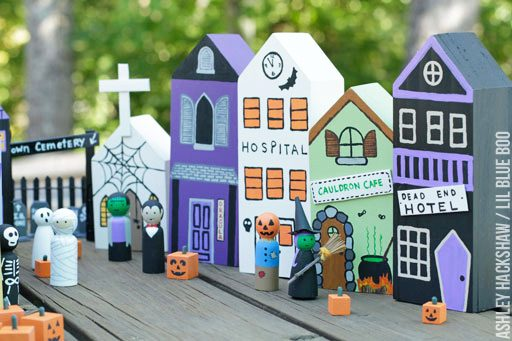 DIY halloween village houses - DIY Halloween Decor