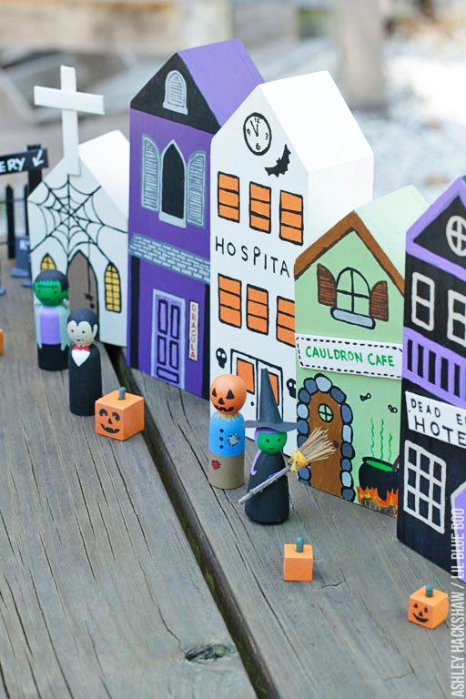 DIY Halloween Centerpieces and Table and Window Decor
