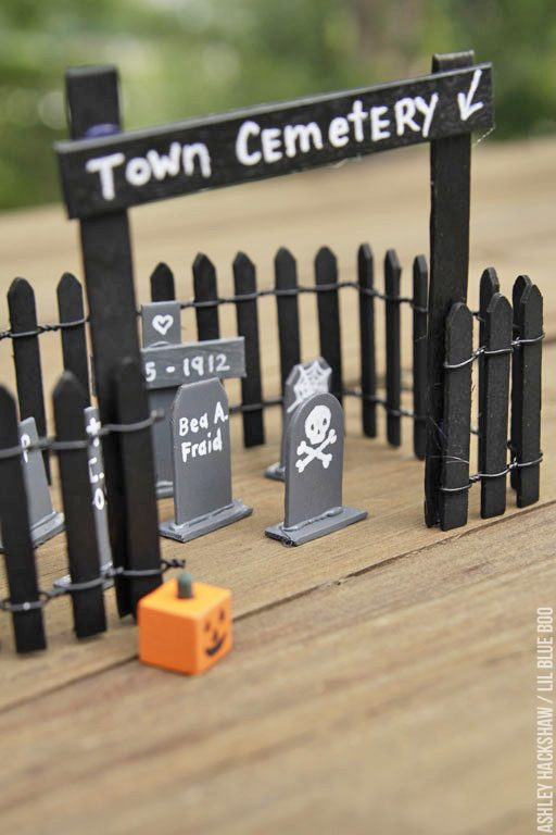 Use these halloween crafts year after year - wood halloween craft